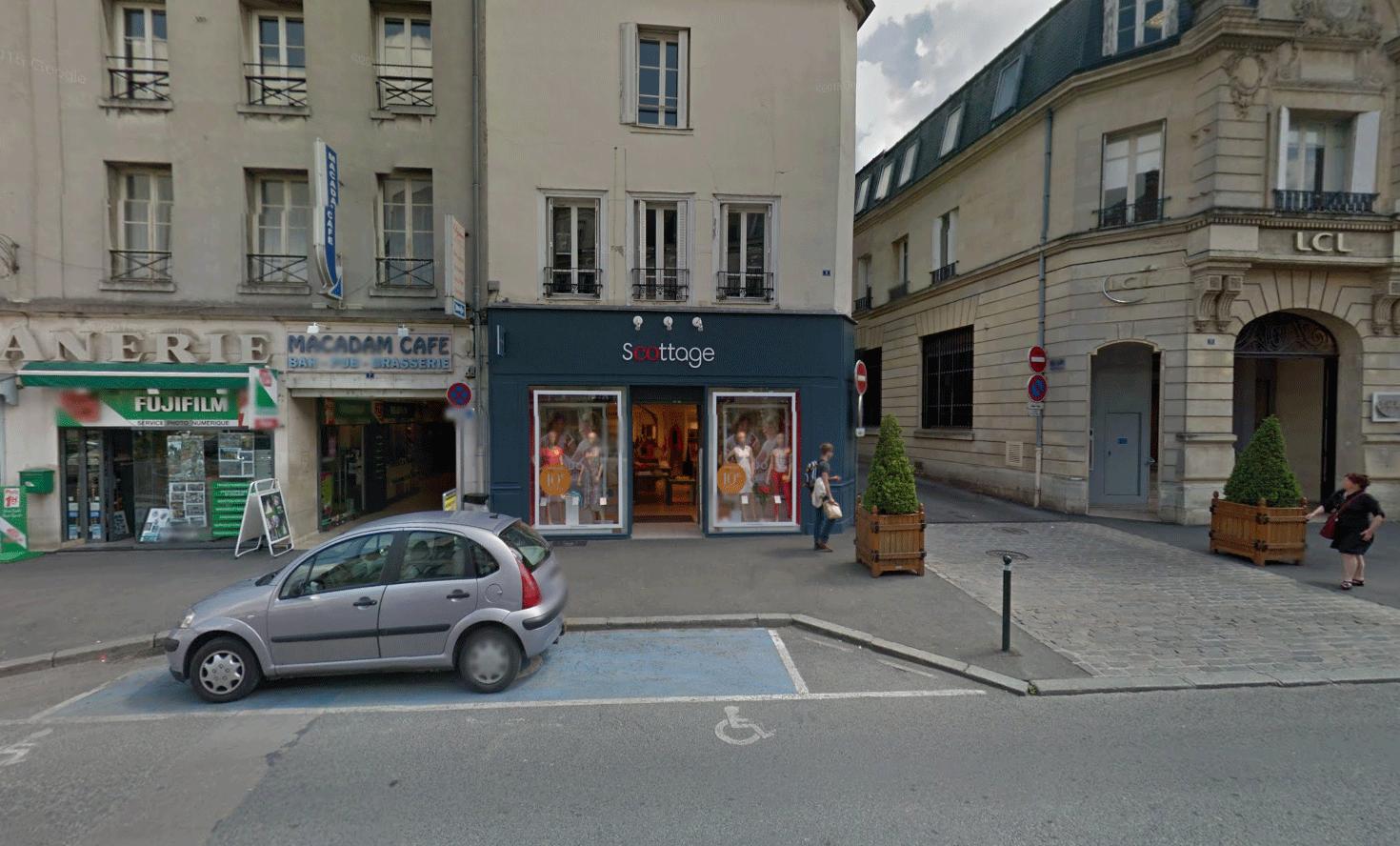 Le Macadam Cafe